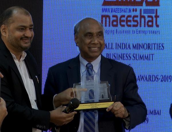 Frank F Islam (R) receiving memento from Danish Reyaz, Managing Director, Maeeshat Media, in Mumbai on Feb 21, 2019.