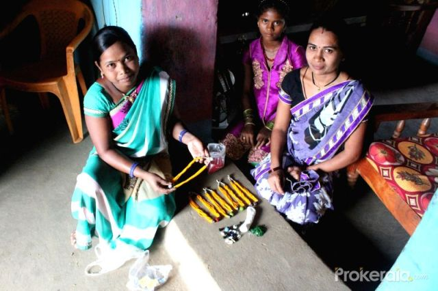 How-their-jewellery-making-skill-is-empowering-women-of-the-forest