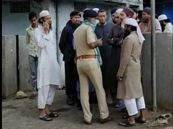 In-Patna-local-non-Muslims-object-the-presence-of-Tablighi-Jamaat-members-from-abroad