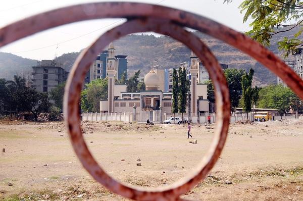 Masjid-e-Umar-Wafa-Park.jpg