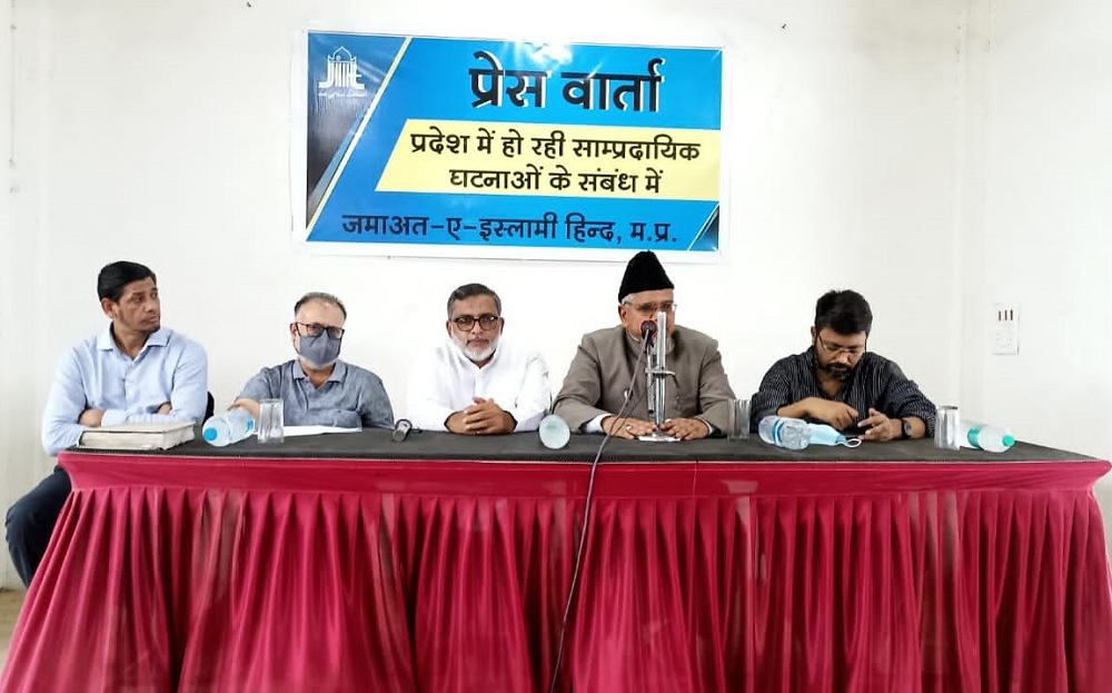 The fact-finding team of Jamaat-e-Islami Hind from Headquarters New Delhi addressing a joint Press Conference in Bhopal