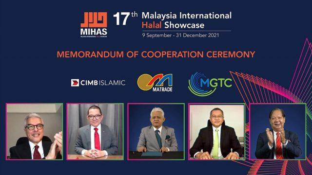 Memorandum of Cooperation (MoC) with CIMB Islamic Banking Berhad (CIMB) and Malaysian Green Technology And Climate Change Centre (MGTC). (From left) CIMB Islamic Bank Berhad Chairman, Dato' Mohamed Ross Mohd Din; CIMB Islamic Bank Berhad CEO, Mr Ahmad Shahriman Mohd Shariff; MATRADE CEO, Mr Mohd Mustafa Abdul Aziz; Malaysia Green Technology Climate Change Centre CEO, Mr Ts Shamsul Bahar Mohd Nor; and MATRADE Chairman, Tan Sri Dr Halim Mohammad